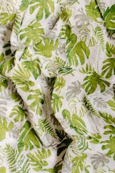 Tissu mousseline imprimé feuilles vertes