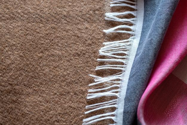 Tissu multicolore à franges, textile
