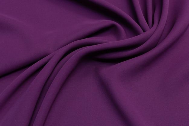 Tissu en soie couleur aubergine