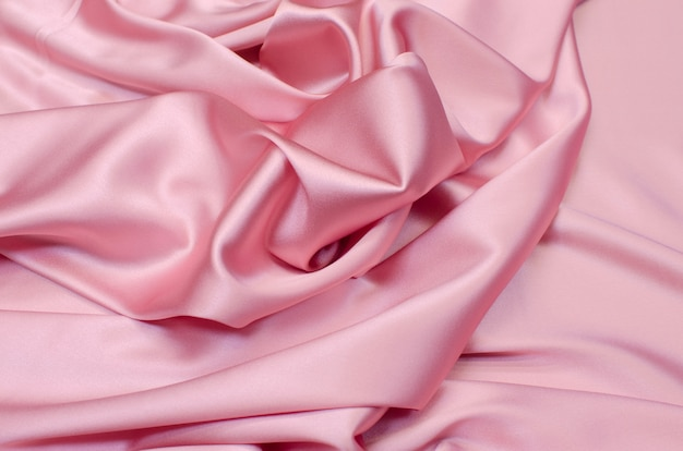 Tissu en soie crêpe de chine rose