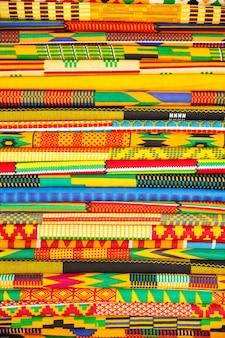 Tissu de style indigène coloré, pris au ghana, afrique de l'ouest