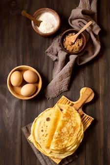 Tissu de toile de jute de délicieux desserts en crêpe d'hiver