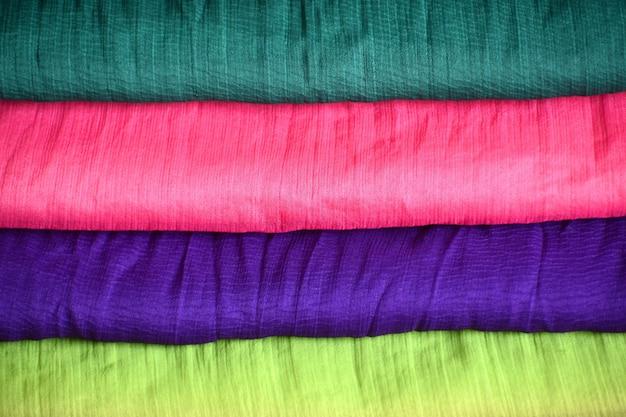 Tissus colorés pour l'industrie textile