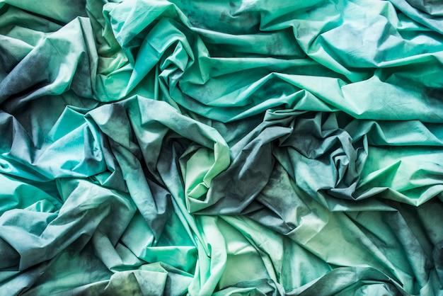 Tissus texturés froissés verts