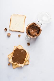 Toast à la crème au chocolat
