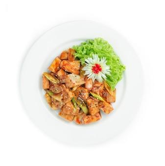 Tofu sauté avec kimchi et poireaux coréens