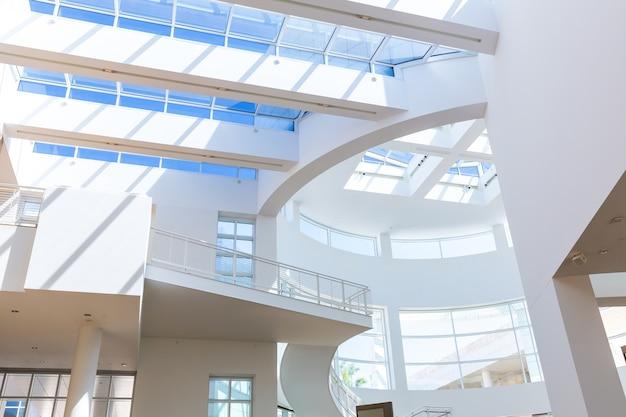 Toit vitré de maison moderne