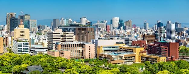 Toits de la ville d'osaka au japon, vue depuis le château