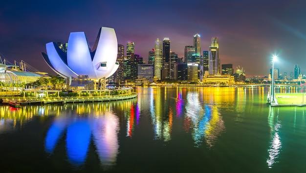 Toits de la ville de singapour la nuit