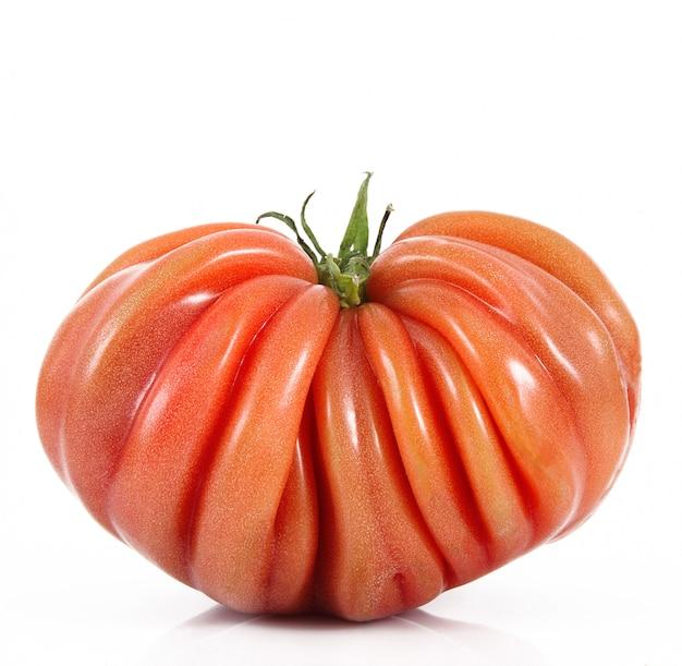 Tomate sur blanc