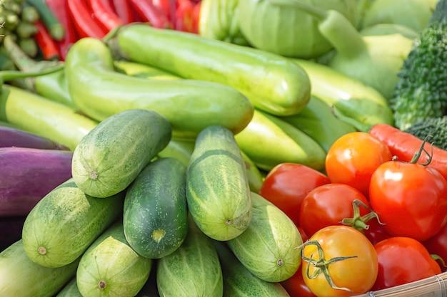 Tomate, concombre, aubergine et piment rouge la végétation indigène de la thaïlande