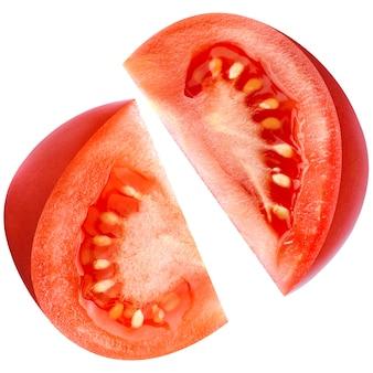 Tomate isolée sur blanc avec un tracé de détourage