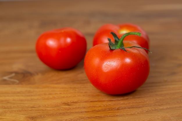 Tomates fraîches, légumes, tomate rouge bouchent