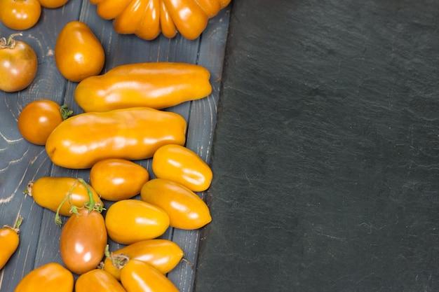 Tomates vertes, rouges, jaunes, orange bio