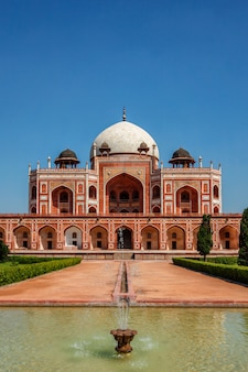 Tombe de humayun célèbre destination d'attraction touristique. delhi, inde