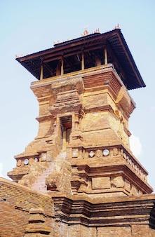 Le tombeau de sunan kudus qui est fait pour la mosquée