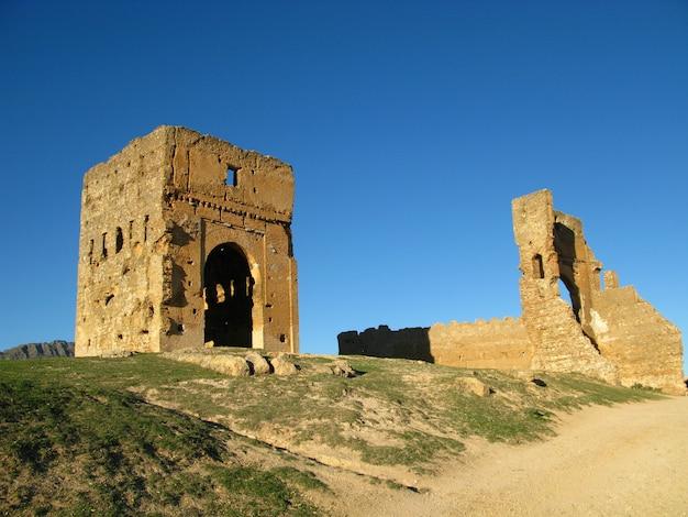 Tombes des mérénides à fès, maroc