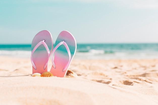 Tongs à la plage