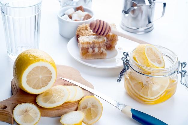 Tonique au miel, citron et gingembre
