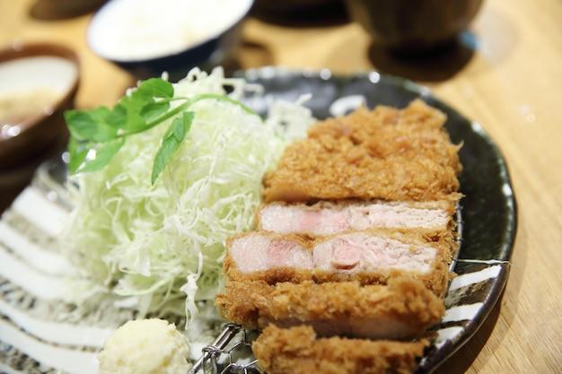 Tonkatsu de porc frit tonkatsu japonais