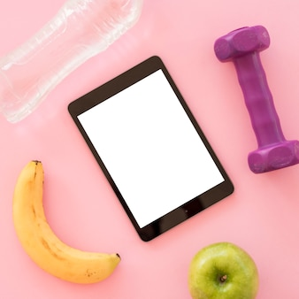 Top view tablet avec des trucs sains