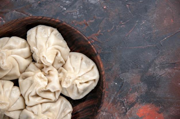 Top vue rapprochée khinkali le khinkali appétissant sur la table