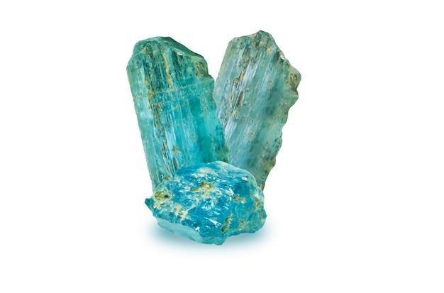 Topaze bleue de londres brute et forme toujours non abrasive, pierre bleue