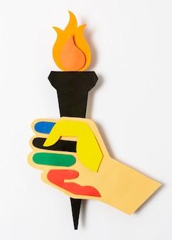 Torche de tenue de main de papier