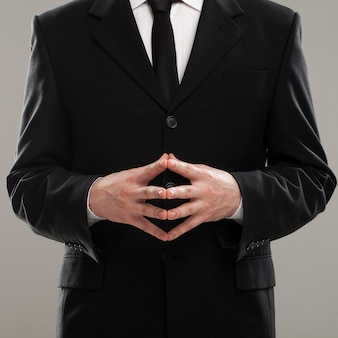 Torse d'homme d'affaires en costume