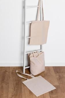 Tote bag à espace copie haute vue