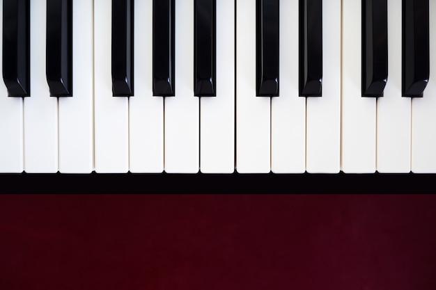 Touche de piano abstrait et art. instrument de musique classique. vue de dessus