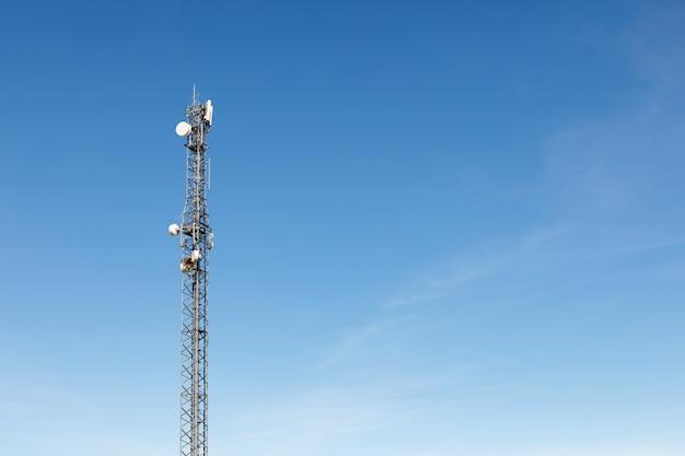 Tour d'antenne pour la communication