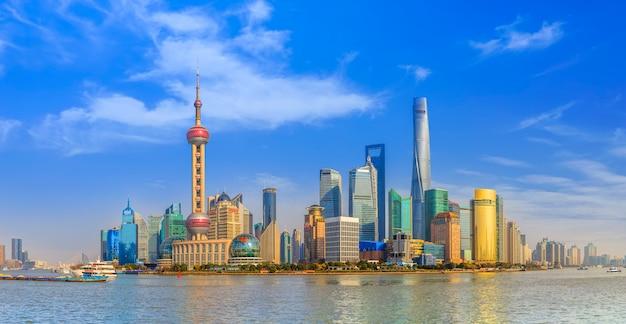 Tour chinois finance point de repère gratte-ciel beau
