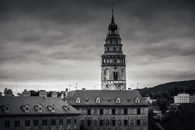 La tour du château de cesky krumlov. république tchèque
