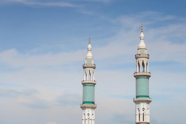 Tour de l'église de l'islam