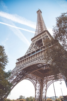 Tour eiffel, symbole de paris, france. paris meilleures destinations en europe