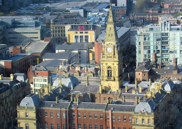 Tour de l'horloge et ancienne architecture dans la ville de liverpool