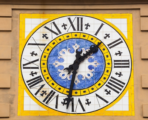Tour de l'horloge à capri.