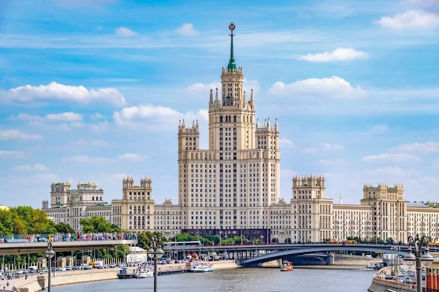 La tour de staline sur le remblai de kotelnicheskaya. moscou. russie