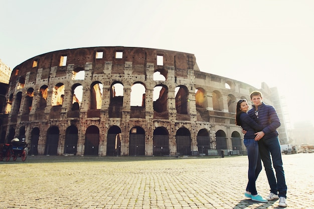 Touriste belles chaussures voyage joie
