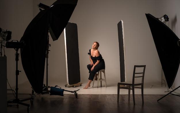 Tournage dans les coulisses. studio photo professionnel