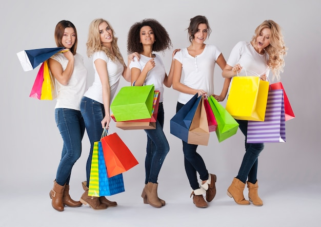 Toutes les femmes aiment faire du shopping
