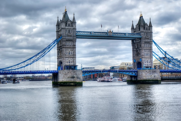Tower bridge en hdr