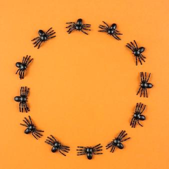 Toy araignées en cercle
