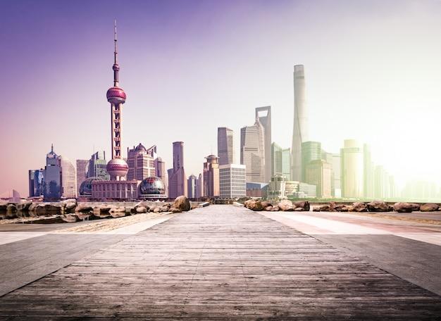 Trafic urbain centre-ville architecture panoramique