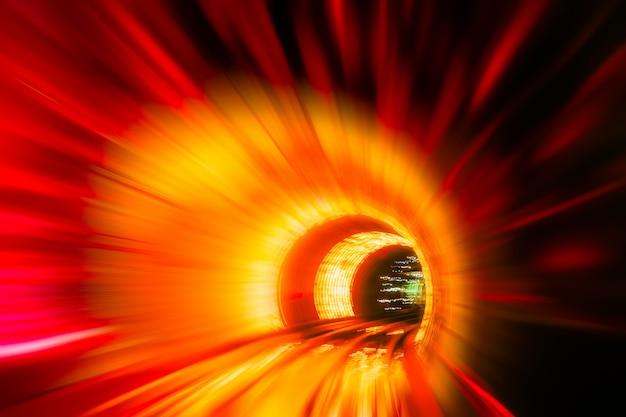 Train circulant à tunnel -abstract view