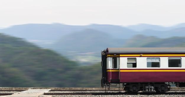 Train, passe, montagne