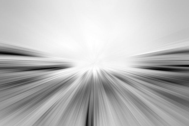 Des traînées de lumière sur la route. abstrait de lignes claires. point de vue des rayures lumineuses.