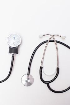 Traitement blanc pharmacie appareil maladie malade