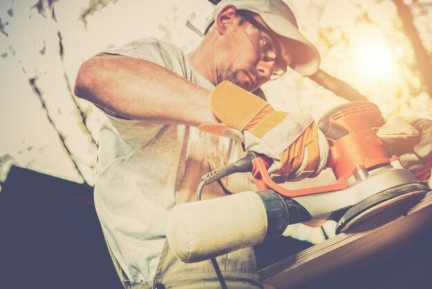 Traitement du bois au travailleur